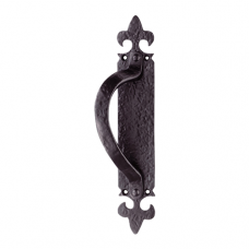 Armorial Pull Handle On Backplate - LF5260